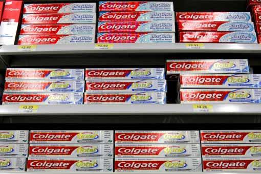 Conoce el nuevo precio de la pasta dental colgate en for Pasta para quitar gotele precio