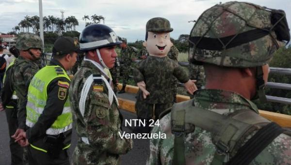 La Fuerza Armada de Colombia recibe con alegría a venezolanos |Foto: NTN24