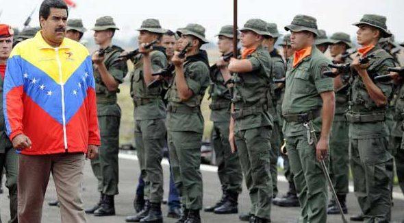 Nicolás Maduro y militares Foto: Runrunes