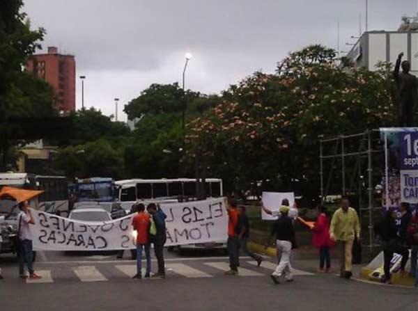 Manifestantes | Foto: @@csociosPcotos