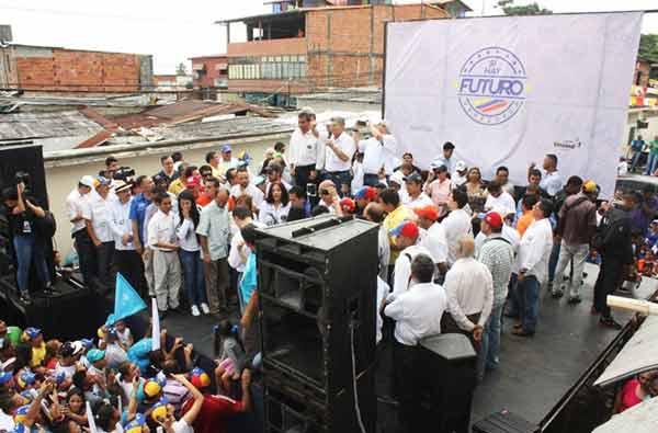 Henry Ramos Allup en la concentración en El Vigía, Mérida | Foto: @diana_dagostino
