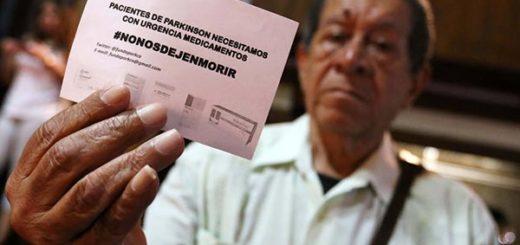 Pacientes con Párkinson exigen medicinas | Foto: Karla Calderón / El Universal