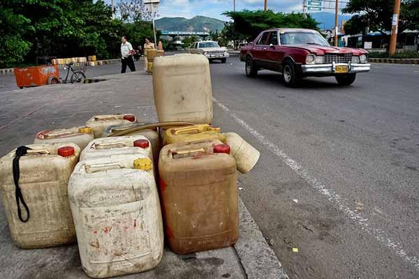 Contrabando de Gasolina   Foto:  Jan Sochor