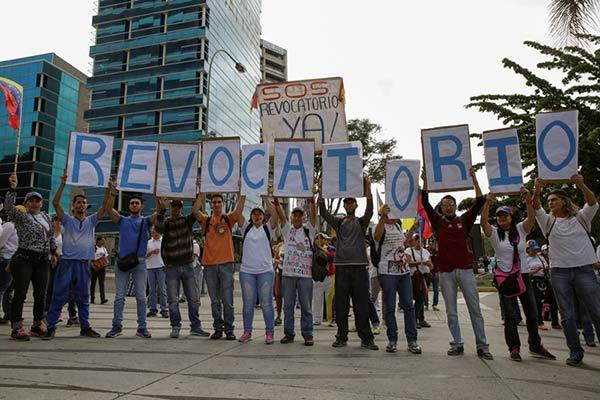 Manifestantes en la Gran Toma de Caracas |Foto: Reuters