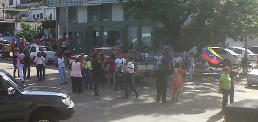 Protestan por detención del alcalde Delson Guarate | Foto: @Obeysser