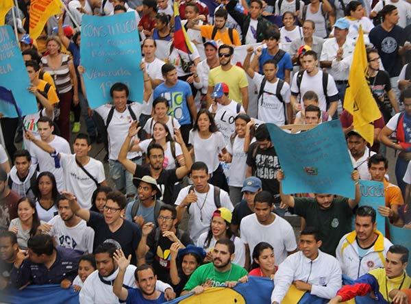 Estudiantes organizados en la Gran Toma de Caracas |Foto: @HaslerIglesias