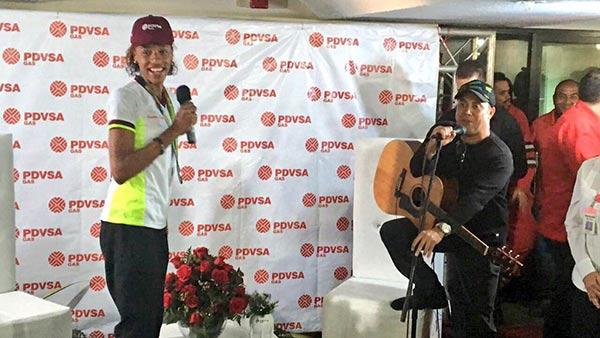 Yulimar Rojas recibió reconocimiento por parte del equipo de Pdvsa |Foto: Globovisión
