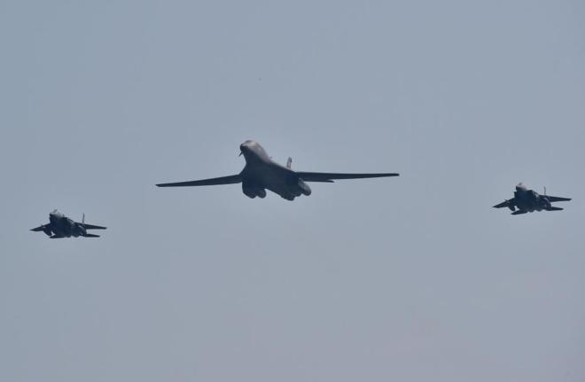 Aviones bombardeos | Foto referencial| EFE