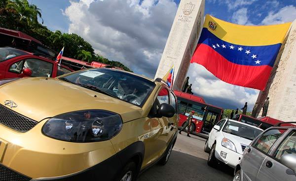 Venta de vehículos nuevos en Venezuela  Foto: LaPatilla