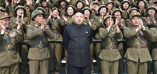 Presidente de Corea del Norte junto su ejercito |Foto archivo