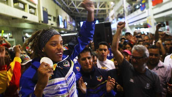francisco-velasquez-VENEZUELA--Yulimar-Rojas-fue-recibida-a-lo-grande-en-Venezuela