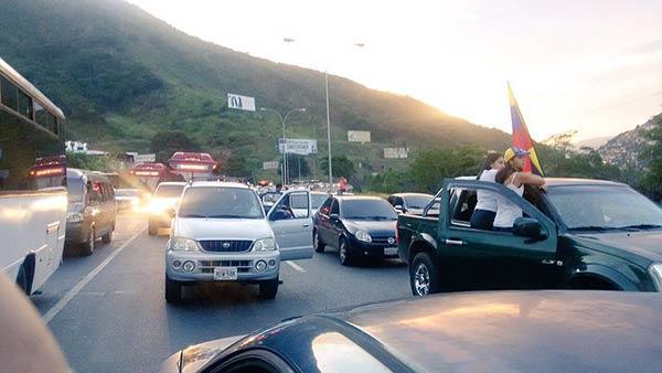 Autopista Guarenas - Guatire |Foto: @nanasuarezulloa