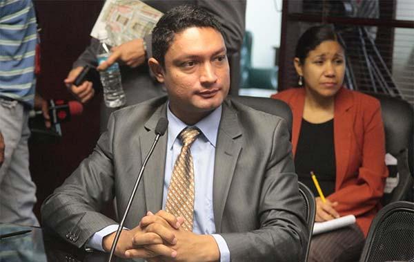 Diputado Leandro Domínguez | Foto: prensa UNT