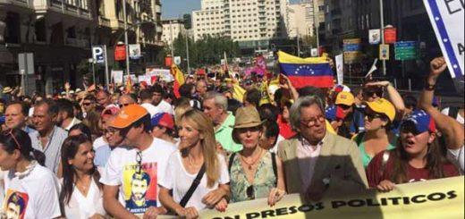 Marcha en Madrid en apoyo a Venezuela   Foto: @beatrizbecerrab