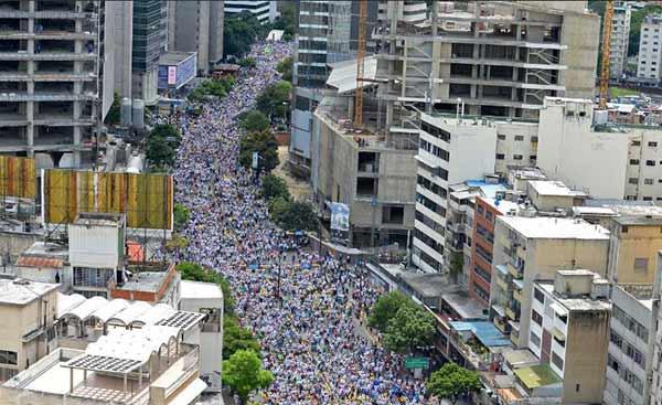 Toma de Caracas |Foto vía Twitter