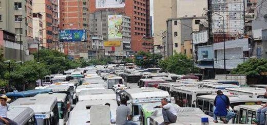 Colapso del tránsito por transportistas | Foto vía Twitter