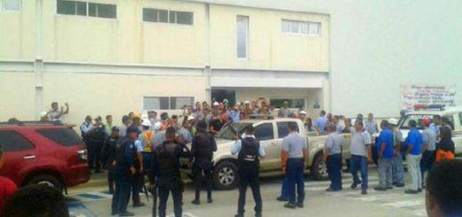 Momento de la detención de la gerente de Polar en Yaracuy | Foto vía Twitter