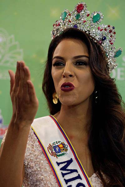2016-10-06t164846z_216550562_d1aeuflfluaa_rtrmadp_3_venezuela-beauty