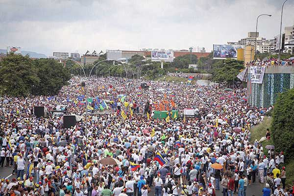 Distribuido Altamira durante la Toma de Venezuela   Foto: Twitter