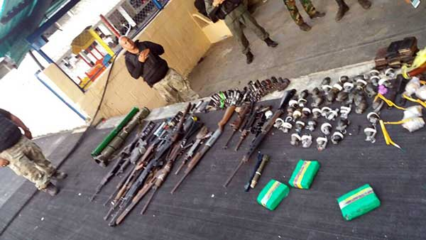 Armanmento incautado | Foto: @PableOstos