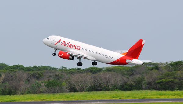 Avianca desmiente suspensión de operaciones aéreas a Venezuela | |Foto: Modo Charlie