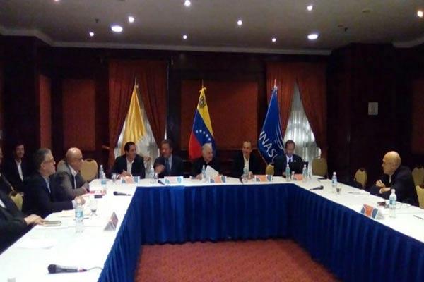 ¿Estás de acuerdo con el diálogo entre la MUD y el Gobierno? |Foto: Globovisión