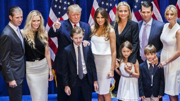 Donald Trump junto a su familia |Getty Images