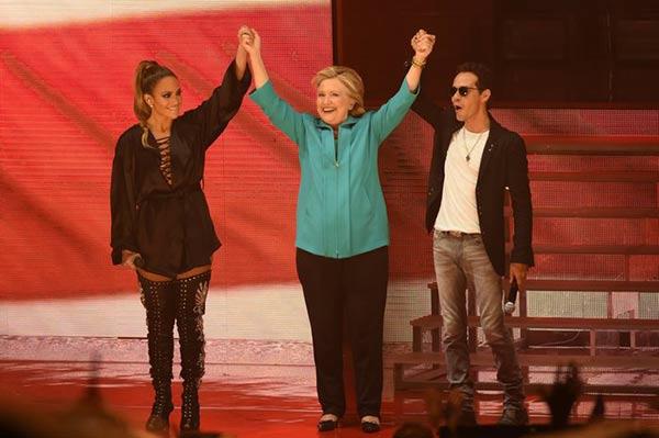 Jennifer López y Marc Anthony ofrecen concierto en apoyo a Hillaty Clinton | Foto: EFE