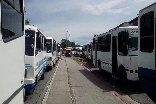 Transportista en Mérida llevan dos días de paro |Foto: @leoperiodista