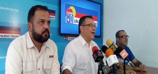 Enrique Márquez en rueda de prensa rechaza el hostigamiento del Gobierno contra la oposición  Foto: @PartidoUNT