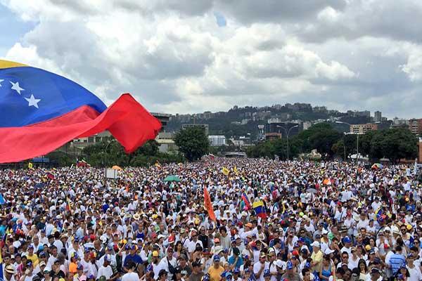 Así se desarrolla la #LaTomaDeVenezuela |Foto Twitter