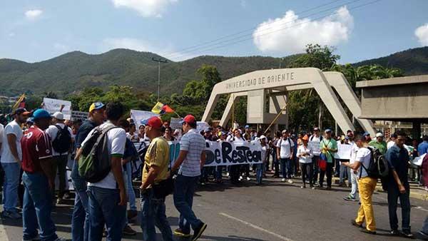 Estudiantes de la UDO-Anz se unen a la Toma de Venezuela   Foto: bolUDO.com.ve