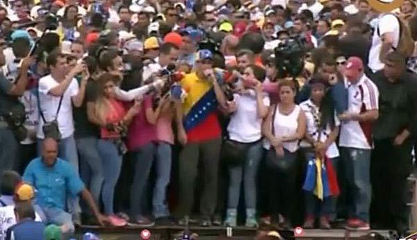 Henrique Capriles en la Toma de Venezuela   Foto: captura