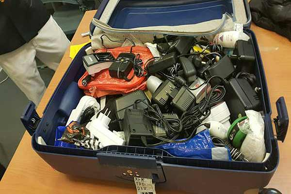 Agentes de aduanas encontraron 29 cargadores donde escondía la droga   Foto: focustaiwan.tw