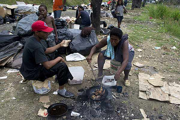 Familias viven de las sobras | Foto: Diario 2001/ Jacob Antircopy