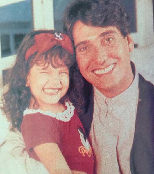 Gillermo Dávila junto a su hija | Foto: @maelenadavila