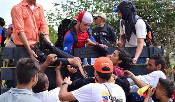 Joven de 21 años herida en Maracaibo | Foto vía Twitter