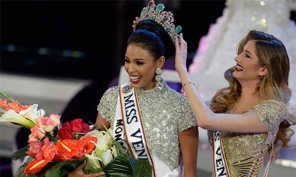 Coronación de Keysi Sayago, Miss Venezuela 2016 | Foto: Cortesía