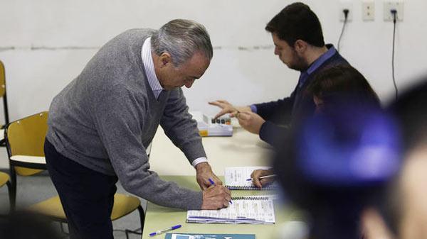 Michel Temer votando | Foto: AFP