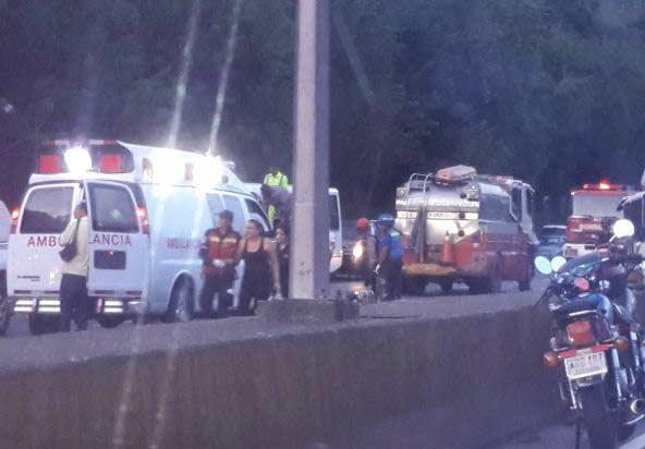Accidente en la GMA cierra el paso hacia Guarenas |Foto Twitter