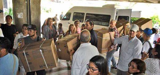 Rescate Venezuela entregó insumos médicos al Hospital de Los Magallanes de Catia | Foto: @liliantintori