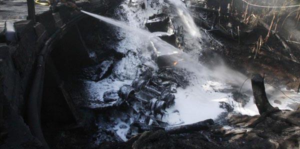 El camión se incendió por causas que aún no han sido aclaradas cuando había más de 100 personas a su alrededor y explotó matando en el acto a 43 de ellas. (GFR Media)