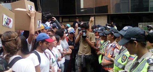 Cordón de la PNB bloqueó movilización