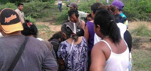 Familiares de la joven Mara  Foto: Alejandro Bracho / Panorama