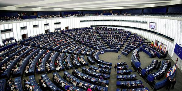 o-parlamento-europeo-facebook