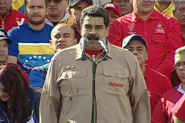 Nicolás Maduro habla de la salida de circulación del billete de 100 Bs  Foto: Vtv