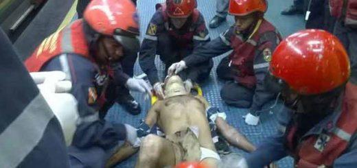 Hombre sufrió fracturas tras lanzarse al Metro |Foto Twitter