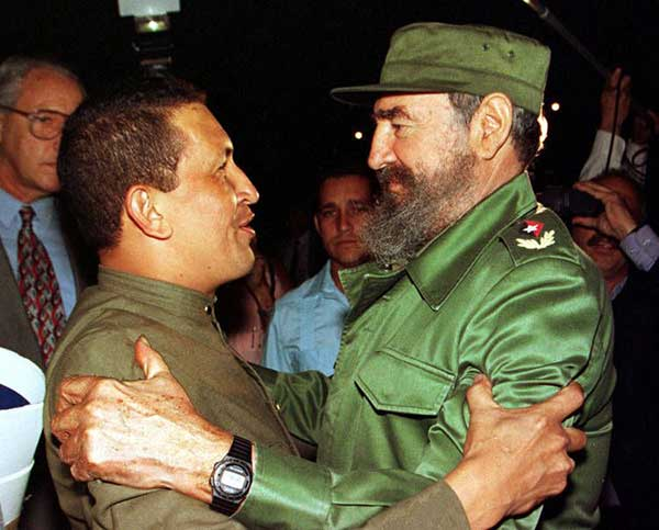 El primer encuentro entre Hugo Chávez y Fidel Castro | Foto: Archivo