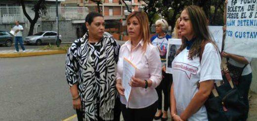 Familiares de presos políticos solicitan a Nunciatura interceder ante el Gobierno   Foto: Caraota Digital