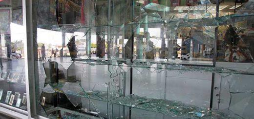Saqueos en Maracaibo |Foto: Reuters